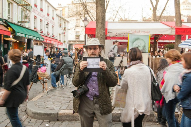 Amano showing the view of Place du Tertre made by Atget ((photo by Stan Abramchouk))